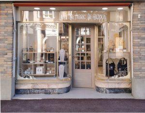 la boutique: la petite fabric de bijoux ventee de bijoux fantaisie, made in France